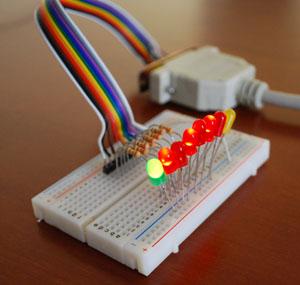 Semplice interfaccia elettronica di controllo con la porta - Notebook con porta parallela ...