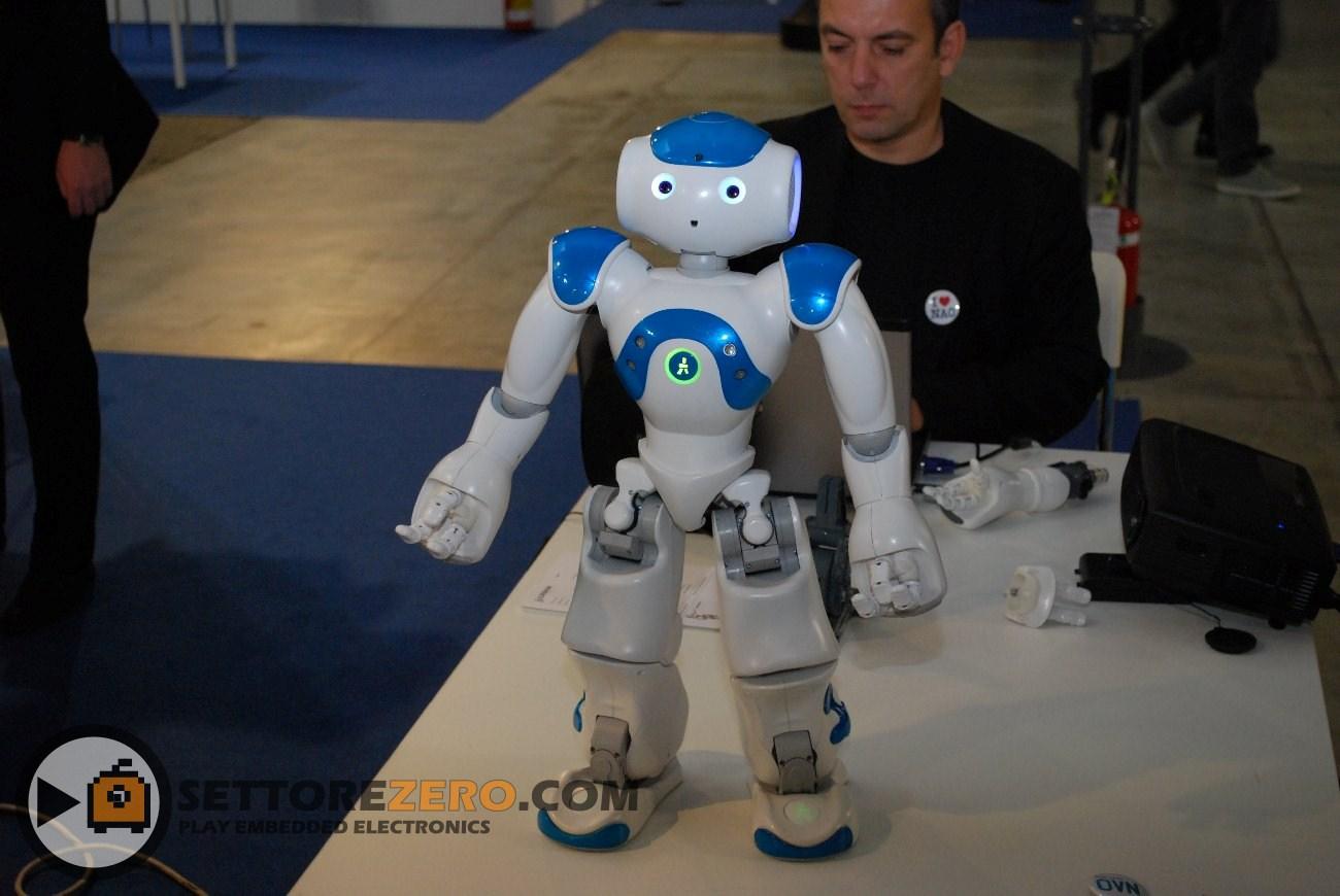 Robot Neo di Aldebaran Robotics