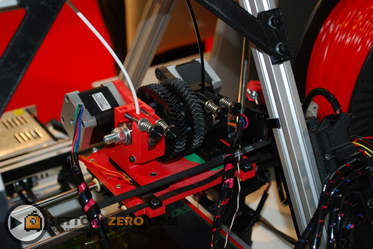 Stampante 3D basata su modello RepRap Prusa