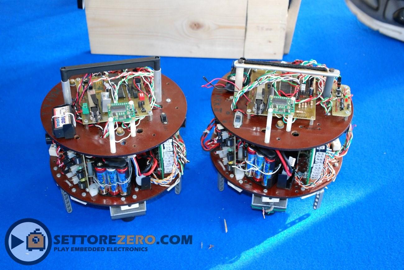 Robot da gara con PIC18F4321
