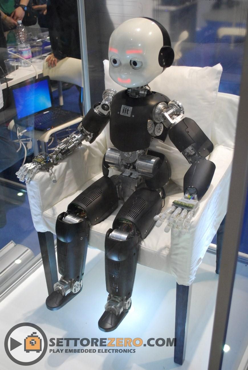 Robot umanoide by IIT