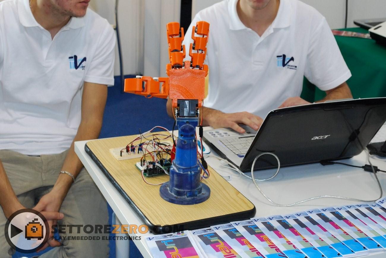 Mano robotica IIS G. Vallauri